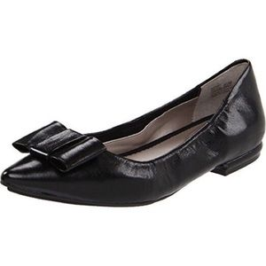 New Me Too Patty black flat with bow. Size 9.5.